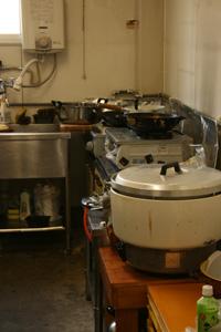 091101_手作り自慢の厨房